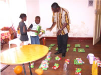 Ivorian Children distribute gifts